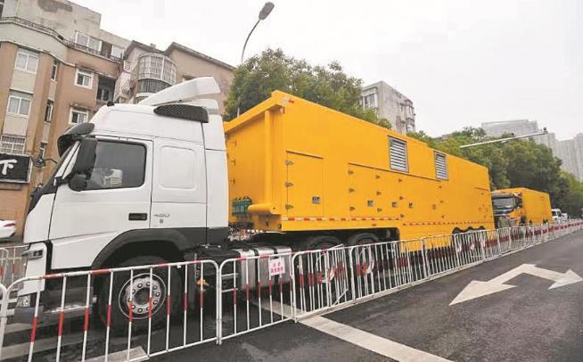 全国首台中压发电车在武汉首次使用 检修居民区一般不再停电