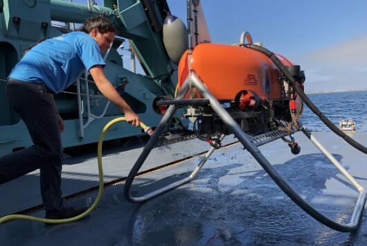 基于视觉导航的水下探测机器人Orpheus,可深入海底6,000米出并构建其3D图像