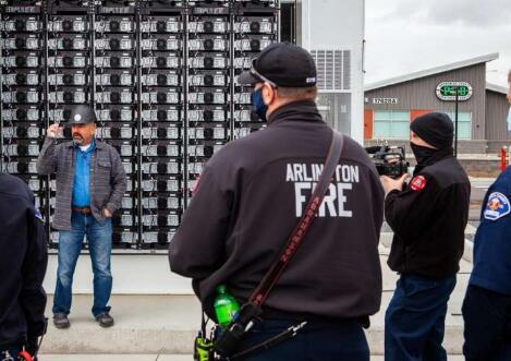PNNL研发烟雾报警器 可在储能电池起火的第一时间打开柜门通风降低电池爆炸风险