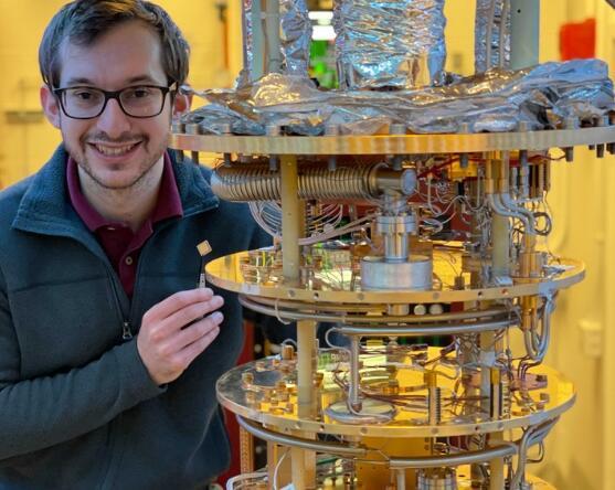 "MIT研发出基于石墨烯的""魔术""材料,可以转变为具有超导性的电子设备"