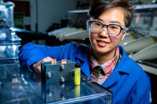 PNNL发现蜡烛中的一种化合物拥有巨大的储能潜力 有望开发更廉价的储能电池