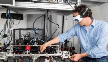 科学家开发了中红外范围内的高性能激光镜,标志着光学镀膜技术的进步