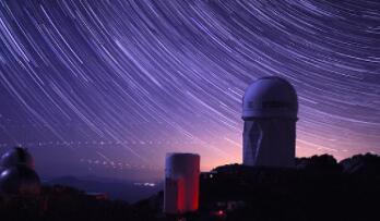 """伯克利实验室已经启用暗能量光谱仪,拥有5000只光纤""""眼睛"""""""