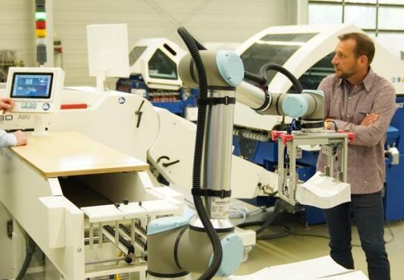 Universal Robots推出新款协作机器人,有效载荷提高了25%