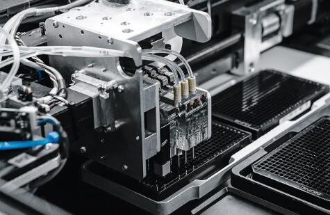 机器人分析仪,可快速检测抗生素对何种细菌有效