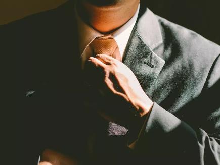 职场中经常要跟上司或老板汇报工作,你知道应该怎么做吗?