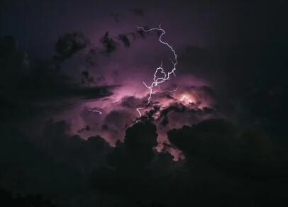 神经网络可大大提高基于传统模型的气象预测准确性