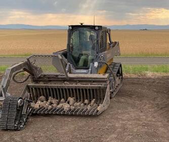 造價2500萬美元的撿石頭機器人,每小時平均撿拾400塊巖石