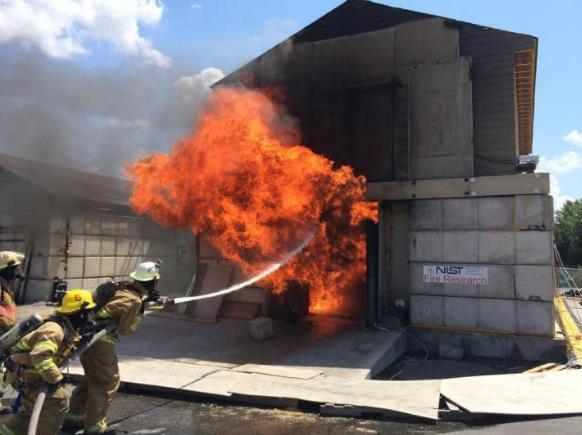 研究人员开发 P-Flash模型 可时刻提醒消防员危险系数