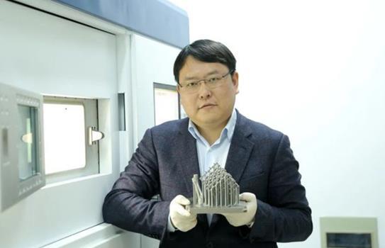 南航大學革新傳統串聯式的增材制造路線 金屬零件可同時滿足多種需求