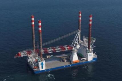 """国内最大万吨风电海缆敷设船""""德京106""""正式交付"""