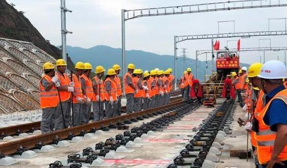 杭紹臺鐵路全線鋪軌貫通,民營企業是如何建高鐵的?