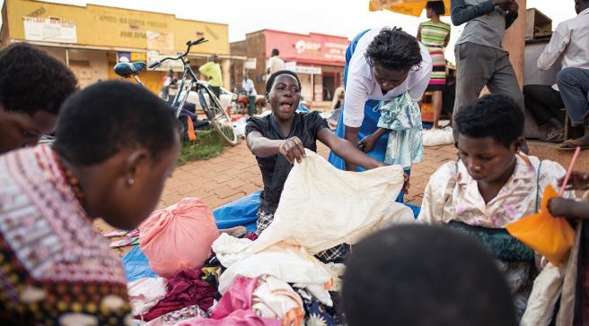 你扔掉的舊衣服撐起了一個千億市場 回收行業孕育創業者