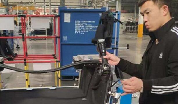 3D 扫描仪可用于检测汽车零件热变形,稳健性和可靠性都很高