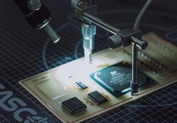 上海精测向中芯国际成功交付全自研12寸半导体设备 半导体制造设备加速国产化