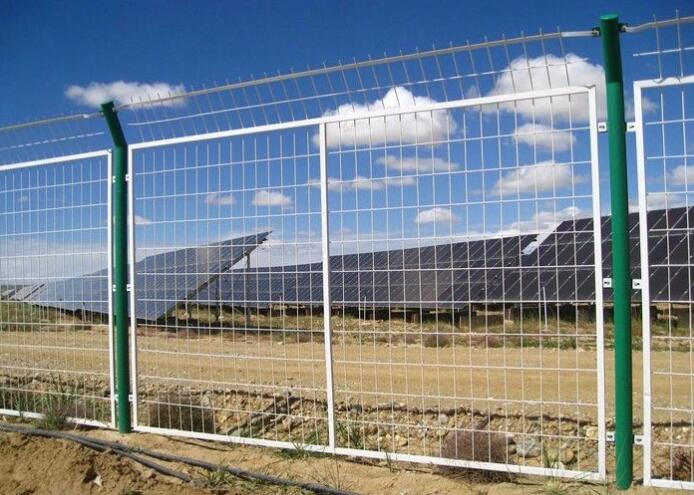 為什么要為你的太陽能電站安裝圍欄?除了安全性以外還有五大好處