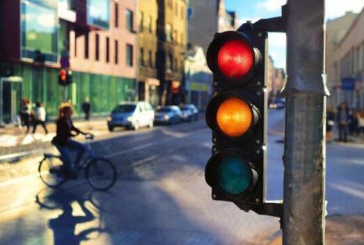 研究表明行人得到交通信號優先權可以提高交通運行效率