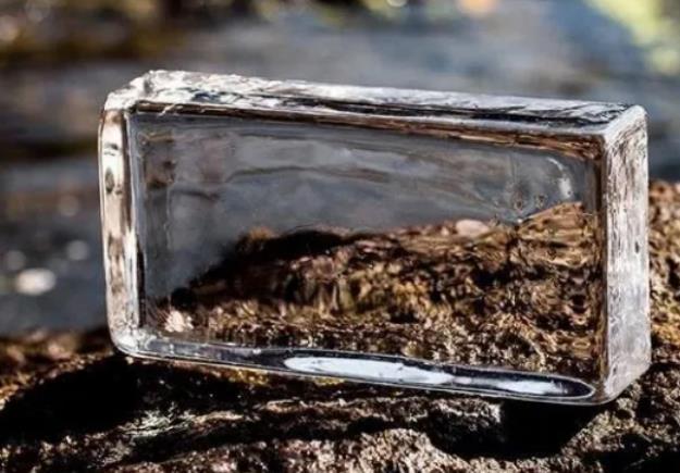 玻璃磚隔斷效果有多美?一文了解玻璃磚的發展、優缺點及隔斷施工方法
