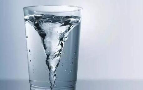 净水器是智商税吗?每天喝的水怎么才是最健康的