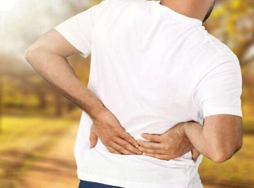 """""""电脉冲""""可以在没有药物的情况下减少慢性背部疼痛?"""