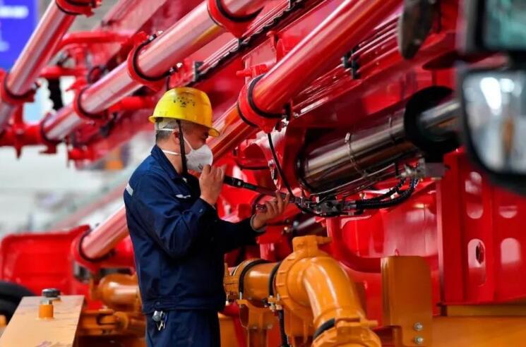 三一重工半年净利突破百亿 11家中国工程机械设备商跻身全球50强