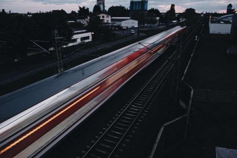 """铁路噪音扰民?研究人员探索噪音来源,寻找""""无声""""搭配"""
