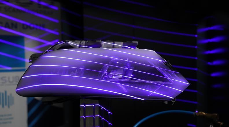 闪电般的速度,喷涂机器人几秒钟内搞定汽车大灯