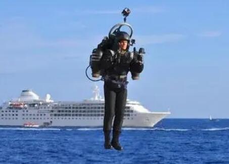 可自动驾驶的免提喷气背包,实现人类的飞行梦,时速达30英里