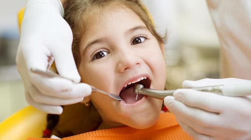 纳米技术和纳米机器人如何在改变牙科行业方面发挥作用
