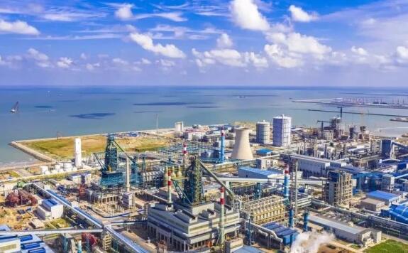 山東、遼寧都將打造沿海鋼鐵基地 為何鋼鐵廠選擇海邊而不是礦山周圍建廠?