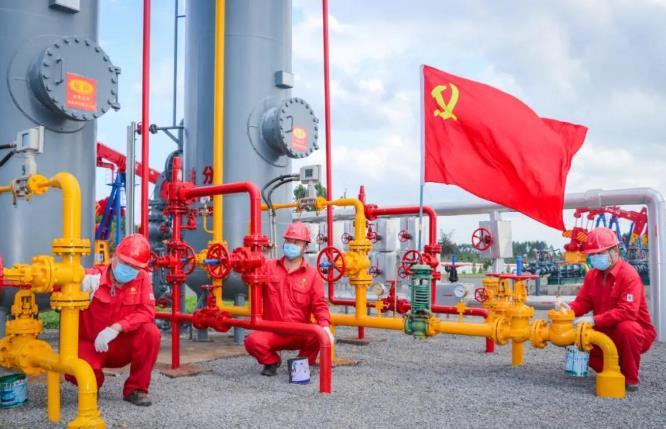 """""""廢棄油田""""秒變石油寶庫!揭秘中國變廢為寶開發出世界第2大油田"""