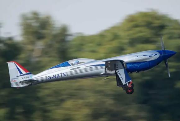 勞斯萊斯全電動飛機首飛成功:不僅打破世界紀錄,還黑科技滿滿