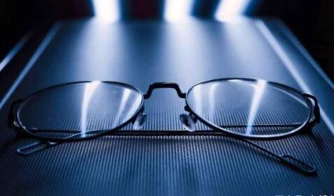 互聯網眼鏡鼻祖紐交所直接上市,市值將超60億 ,眼鏡行業的暴利你知道多少?