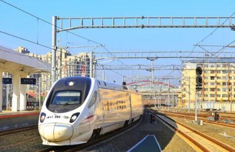 """鑄就中國高鐵傳奇的4個鋼鐵巨獸,盤點""""基建狂魔""""的這些新裝備"""