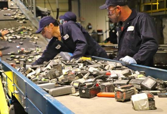 科赫公司向電池回收商Li-Cycle公司投資1億美元